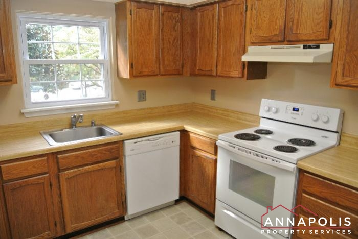 11 Mooring Point-kitchen c.JPG