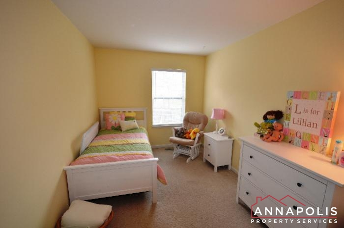 935 Forest Hills Ave-bedroom 2a.JPG