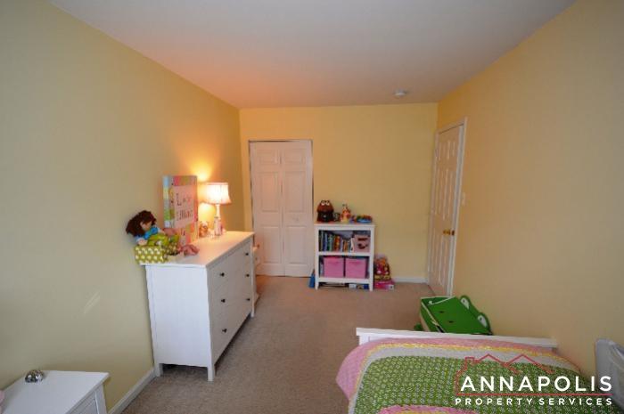 935 Forest Hills Ave-bedroom 2b.JPG