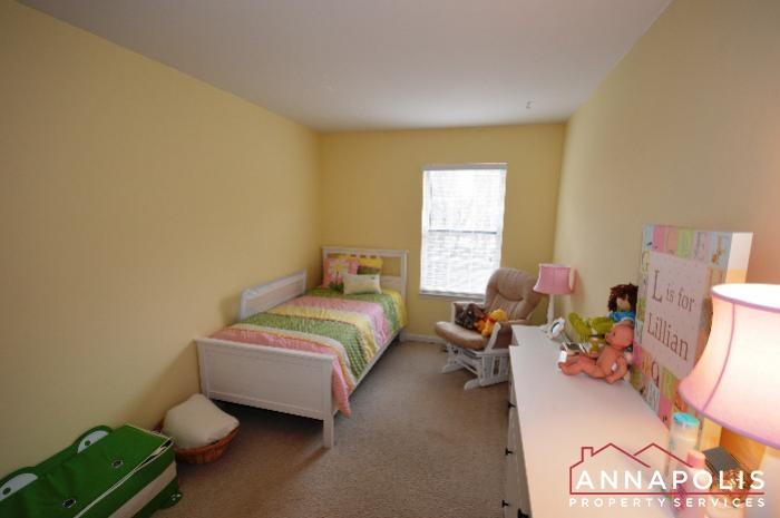 935 Forest Hills Ave-bedroom 2c.JPG