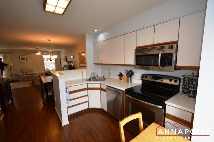 935 Forest Hills Ave-kitchen a.JPG