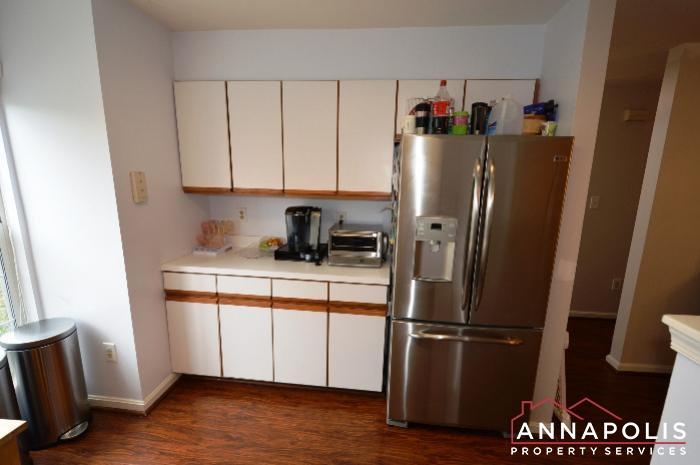 935 Forest Hills Ave-kitchen b.JPG