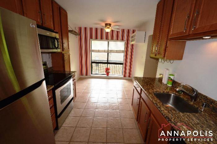 300K Hilltop Lane-kitchen an.JPG