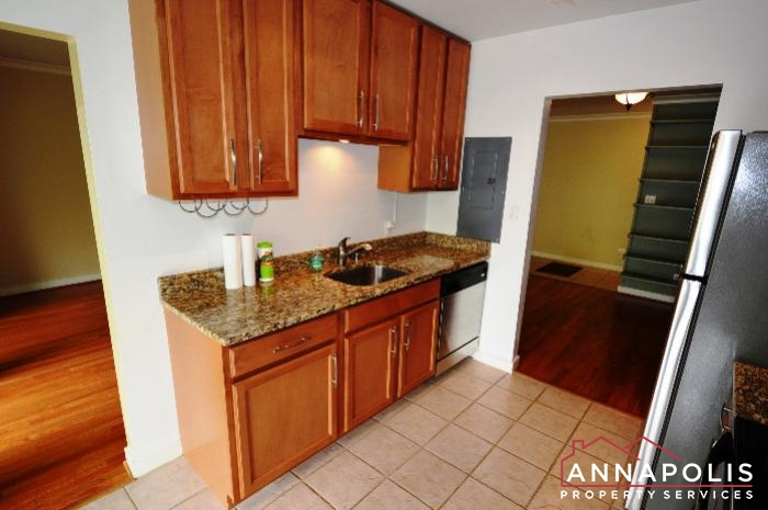 300K Hilltop Lane-kitchen dn.JPG