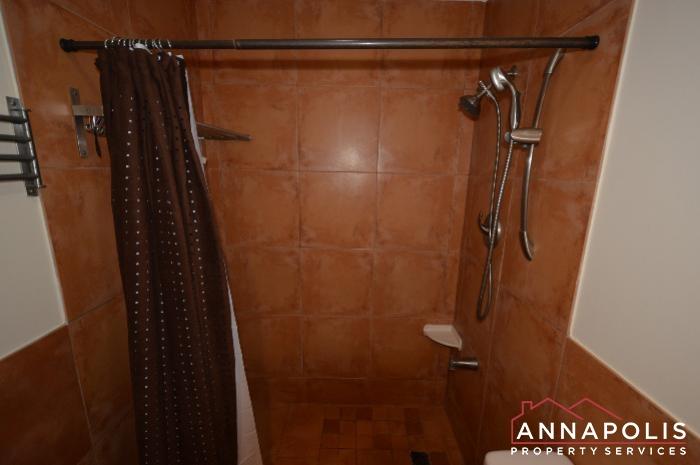 919 Bethany Court-bathroom b.JPG