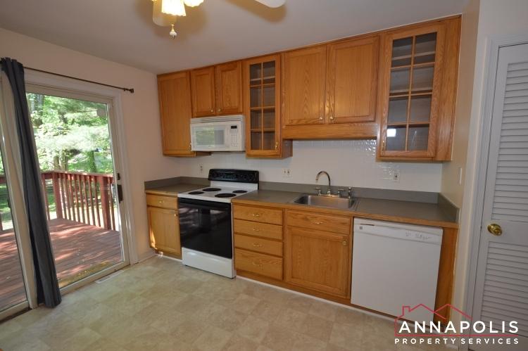 118 Lee Drive-Kitchen ann(1).JPG