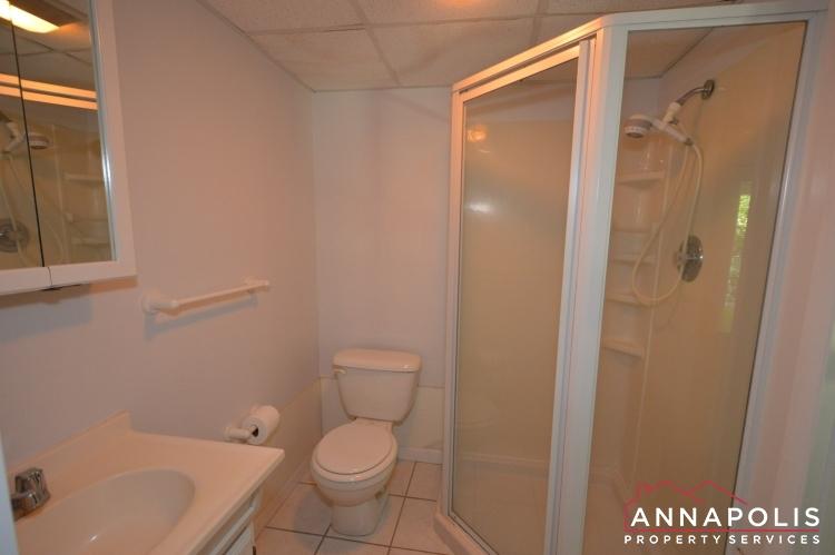 118 Lee Drive-Lower bath ann.JPG
