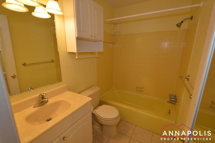 118 Lee Drive-Main bath ann.JPG