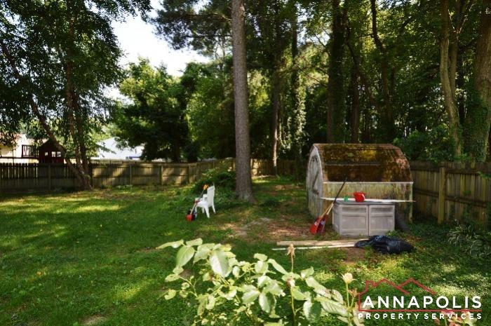 483 Ruffian Court-Back yard b.JPG