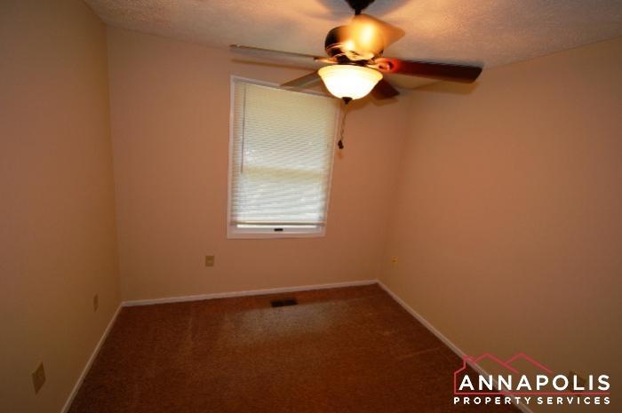 483 Ruffian Court-bedroom 3a.JPG