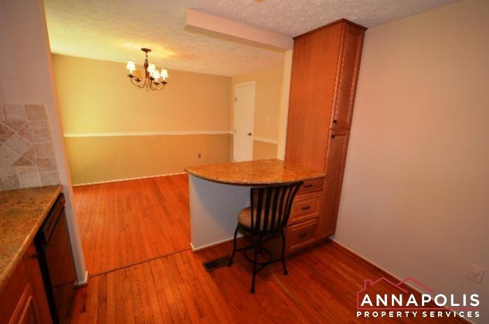 483 Ruffian Court-kitchen b.JPG