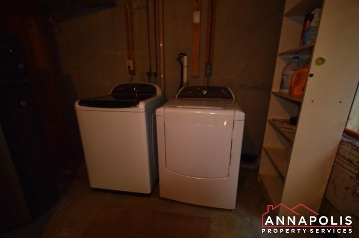 483 Ruffian Court-washer and dryer.JPG