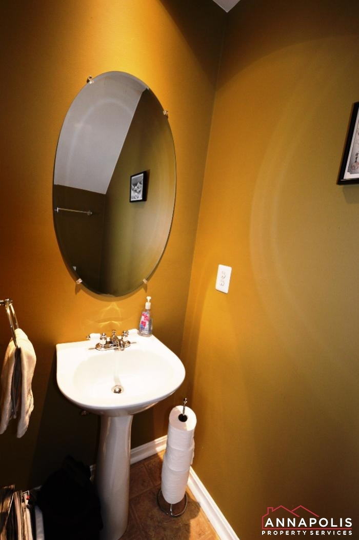 1106 Niblick Court-Powder room.JPG