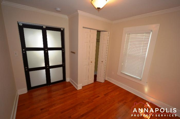 1009 Tyler Ave-Bedroom 1b.JPG