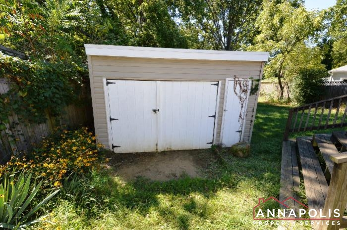 1009 Tyler Ave-Shed b.JPG