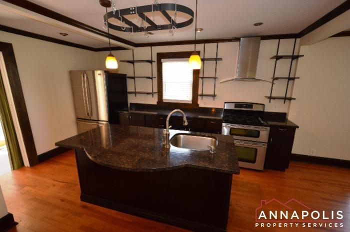 1009 Tyler Ave-kitchen.JPG
