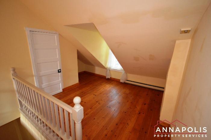 241 Hanover St -Bedroom 2e.JPG