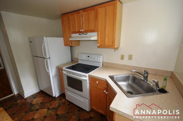 241 Hanover St -kitchen c.JPG