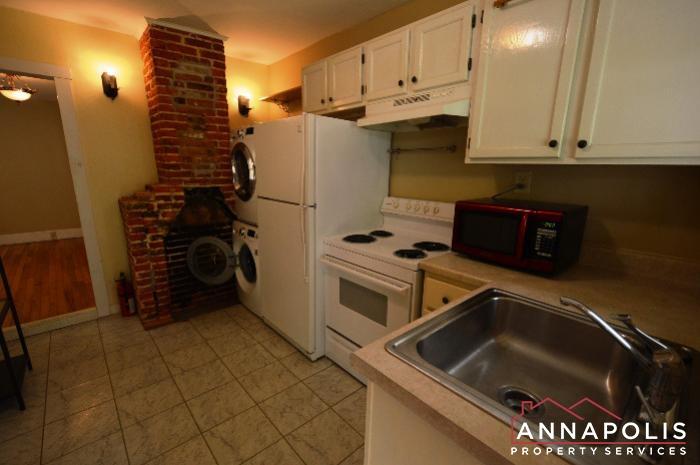 241 Hanover St Unit A-kitchen c.JPG