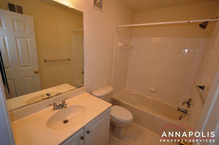 2123 Hideaway Court-Main bath.JPG