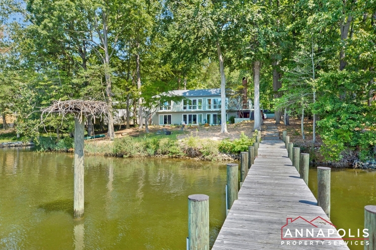 866  Holly Drive S-Front dock ann.jpg