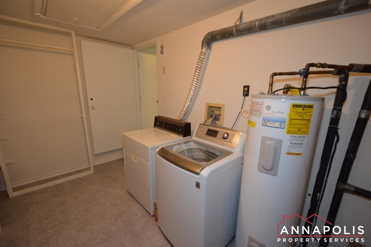 866 S Holly Drive-Washer and dryer(1).JPG