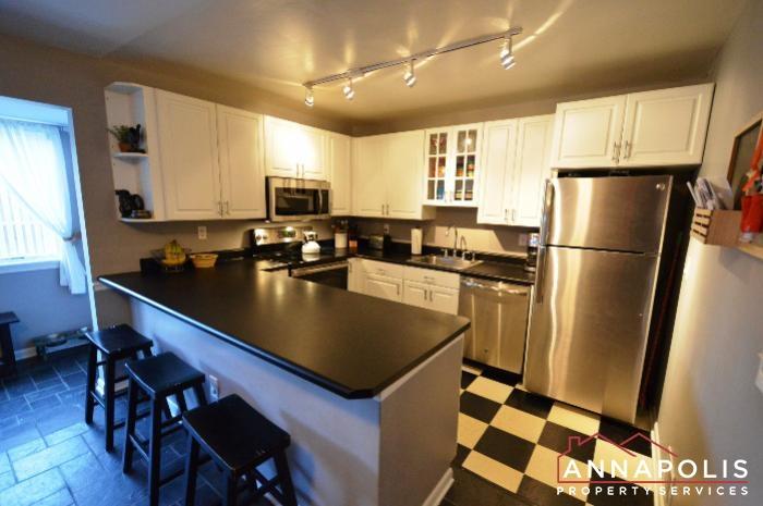 128 Dumbarton Drive-Kitchen b.JPG
