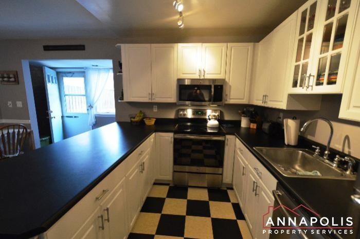 128 Dumbarton Drive-Kitchen d.JPG