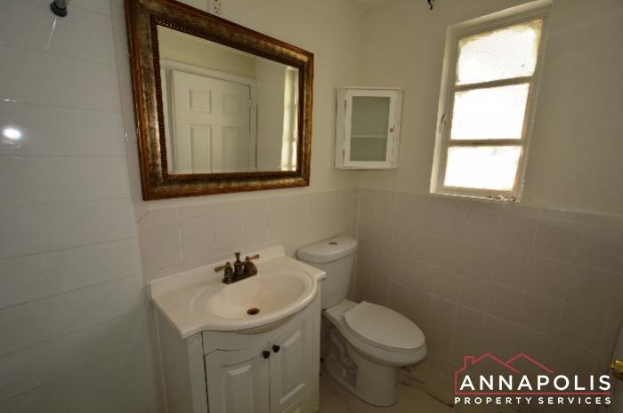 303 Kenmore Ave-Bathroom b.JPG