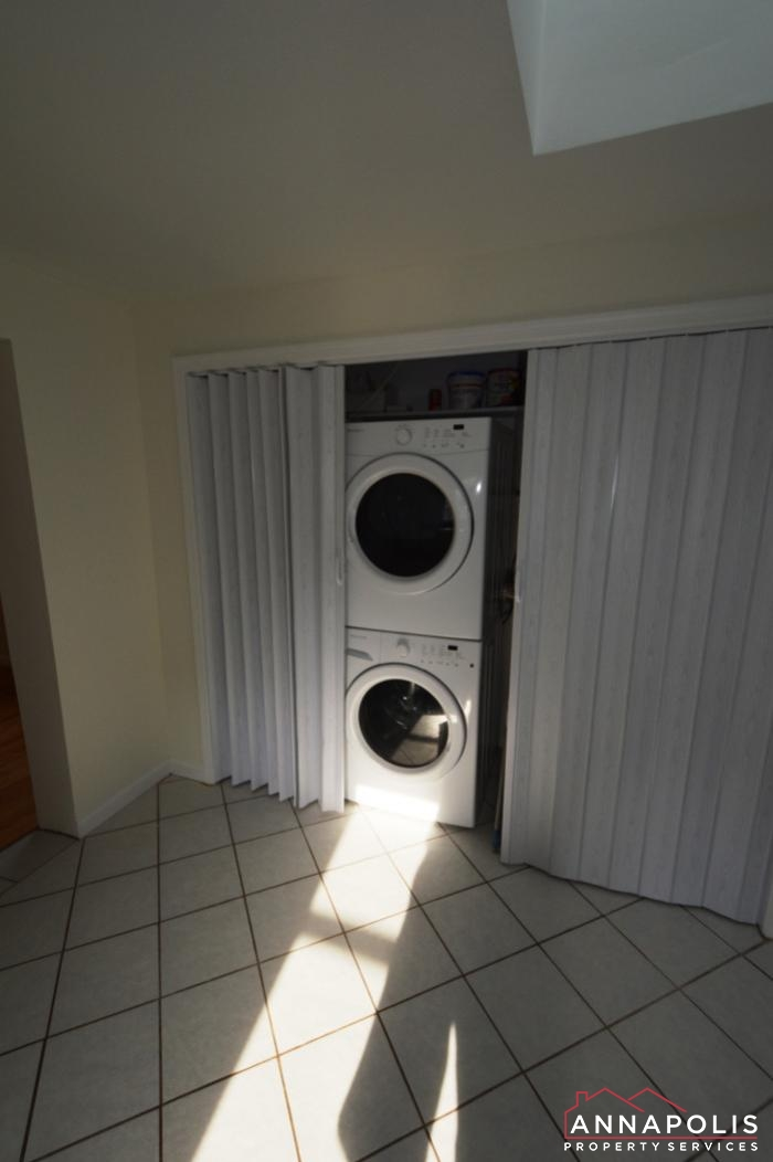 303 Kenmore Ave-washer and dryer.JPG