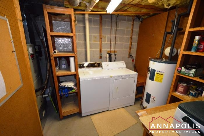 552 Greenhill Court-washer and dryer a.JPG