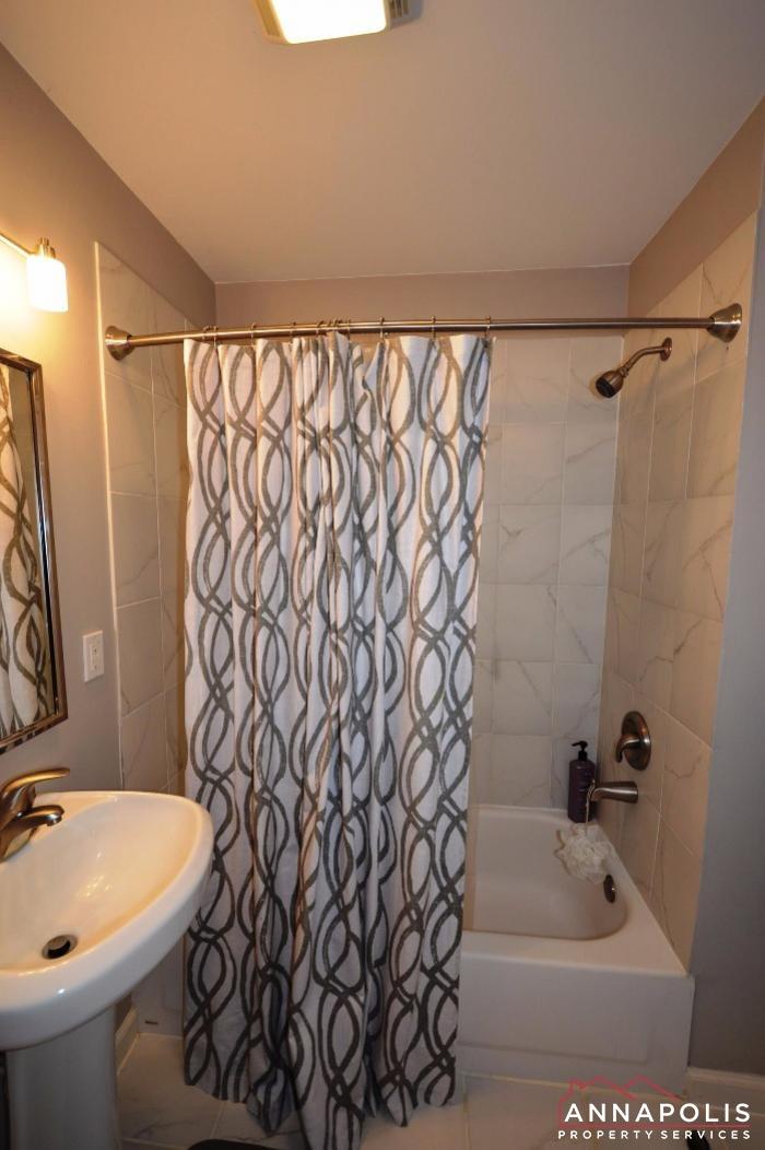 952 Citrine Court-Lower bath room.JPG