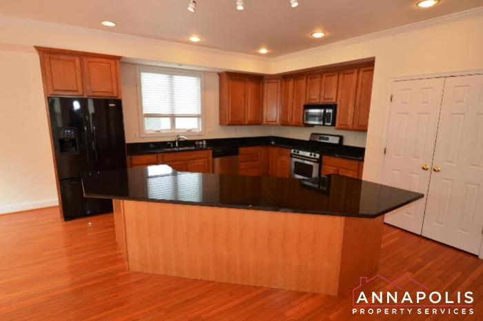 1013 Tyler Ave-Kitchen a.JPG