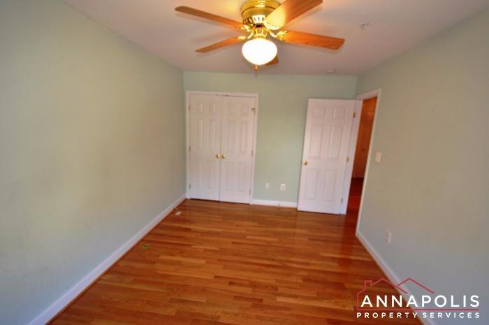 828 Stonehurst Dr-Bedroom 2bn.JPG