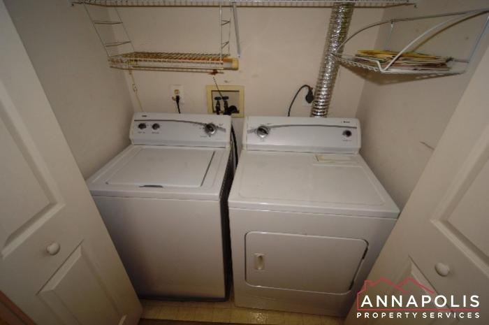 2008 Peggy Stewart Way #301-washer and dryer an.JPG