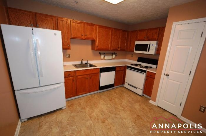 60H Amberstone Court-Kitchen b.JPG