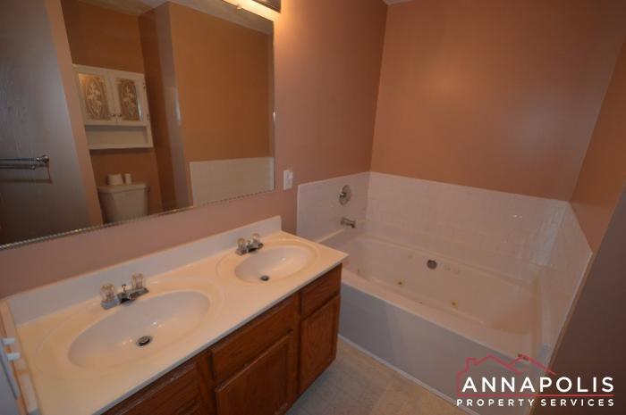 60H Amberstone Court-master bath a.JPG