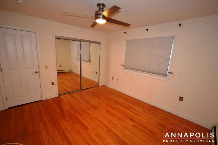 1007 Beech St-Bedroom 1b.JPG