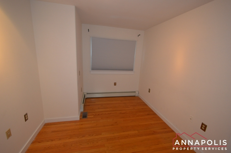 1007 Beech St-Bedroom 2b.JPG
