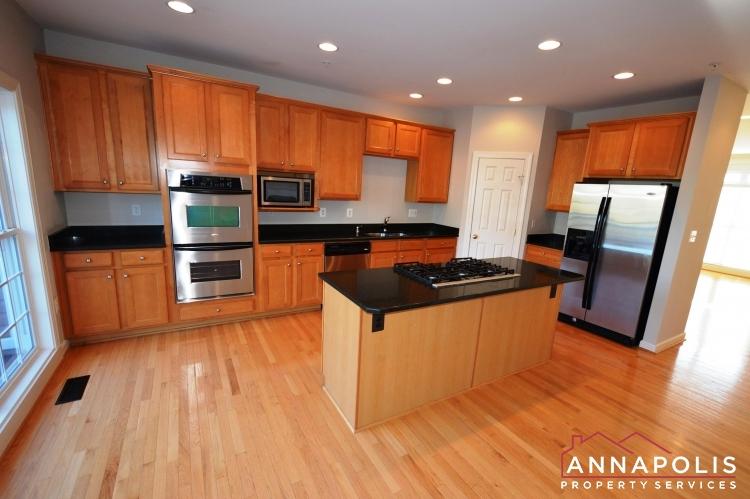 2618 Foremast Alley-Kitchen a.JPG
