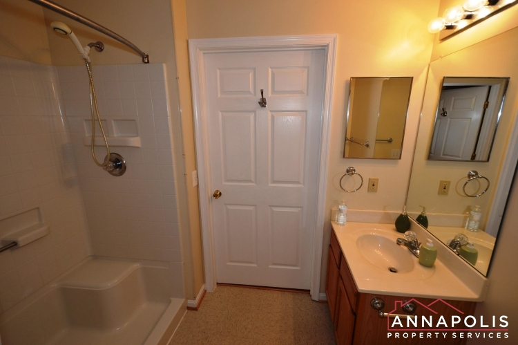 1978 Scotts Crossing #104-Bathroom 2b.JPG
