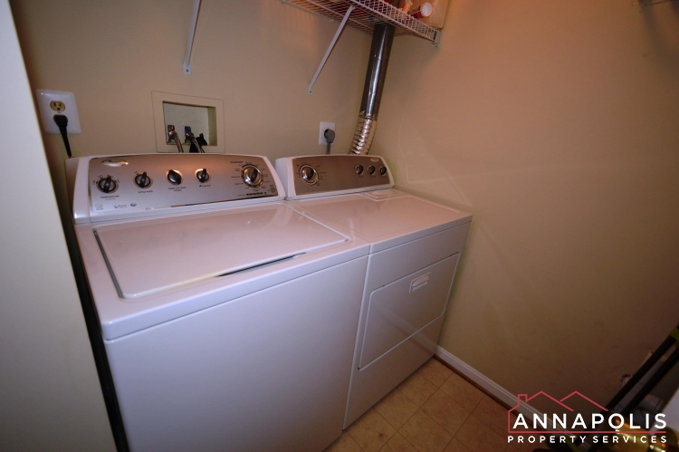 1978 Scotts Crossing #104-Washer and dryer.JPG