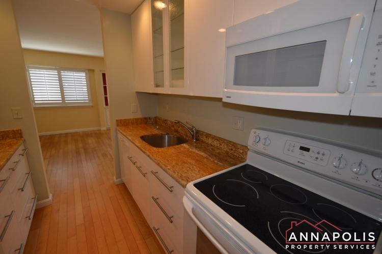 1117 Cedar Ridge-Kitchen b.JPG
