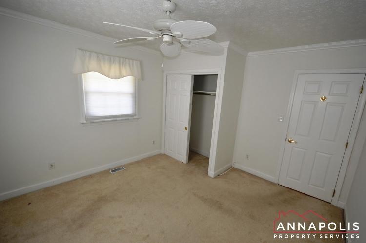 907 Hillside Ave-Bedroom 1b.JPG