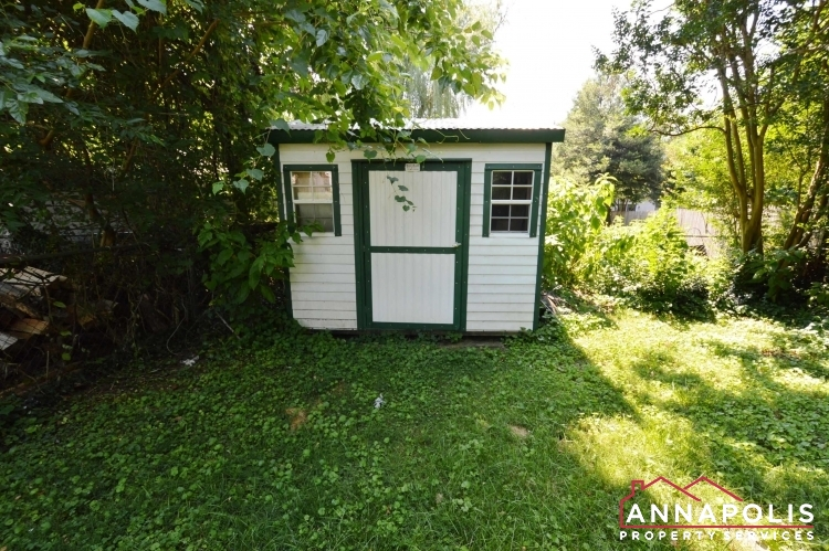 17 Brewer Ave-Shed.JPG