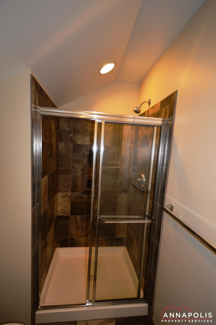 108 Vanguard Lane-Loft shower.JPG