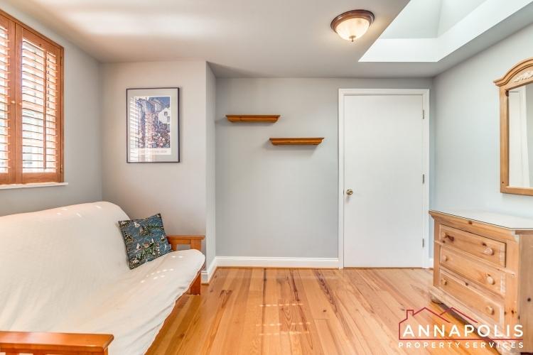 1106 Miami Ave-Bedroom 2a(2).jpg