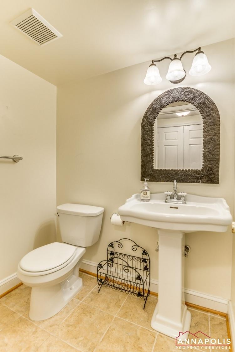 1106 Miami Ave-Main bath a(2).jpg