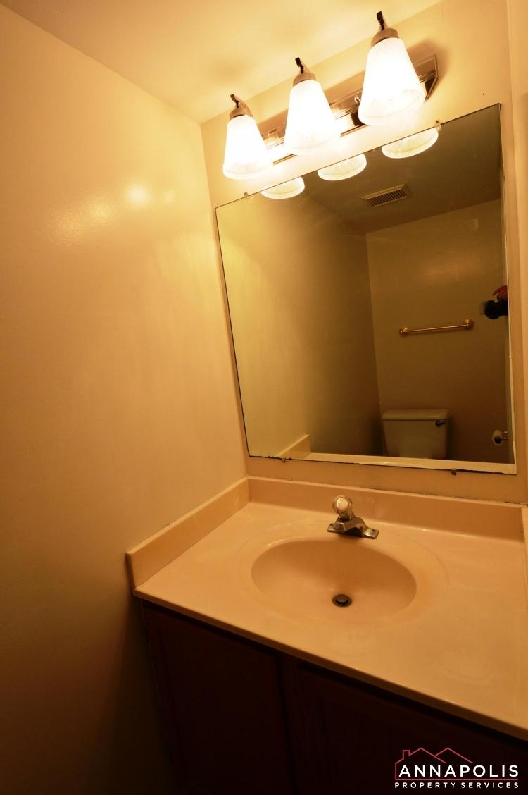 914 Breakwater Drive-Powder room.JPG
