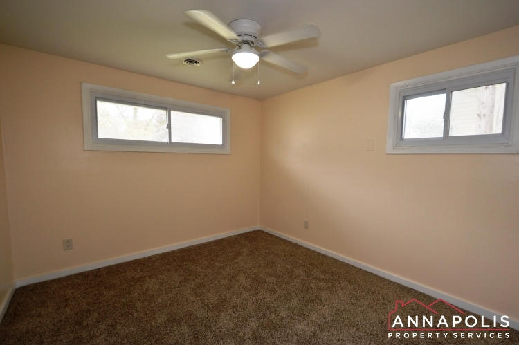 531 Bruce Ave-Bedroom 1a(1).JPG